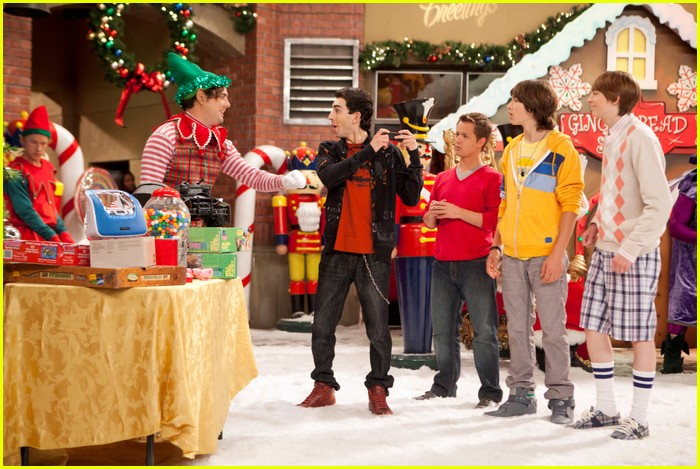 kickin it christmas nuts stills 09