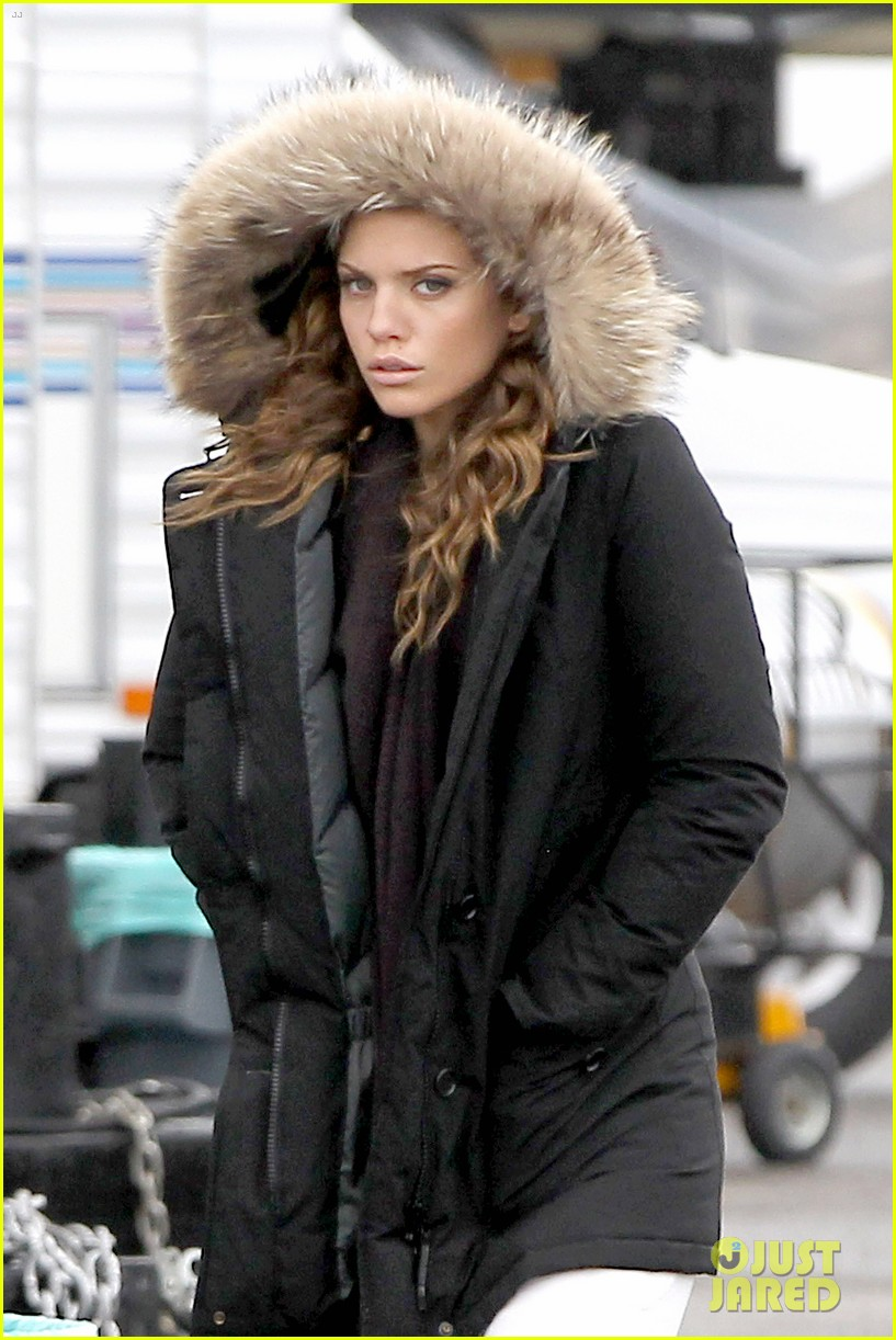 annalynne mccord rainy 90210 set 07