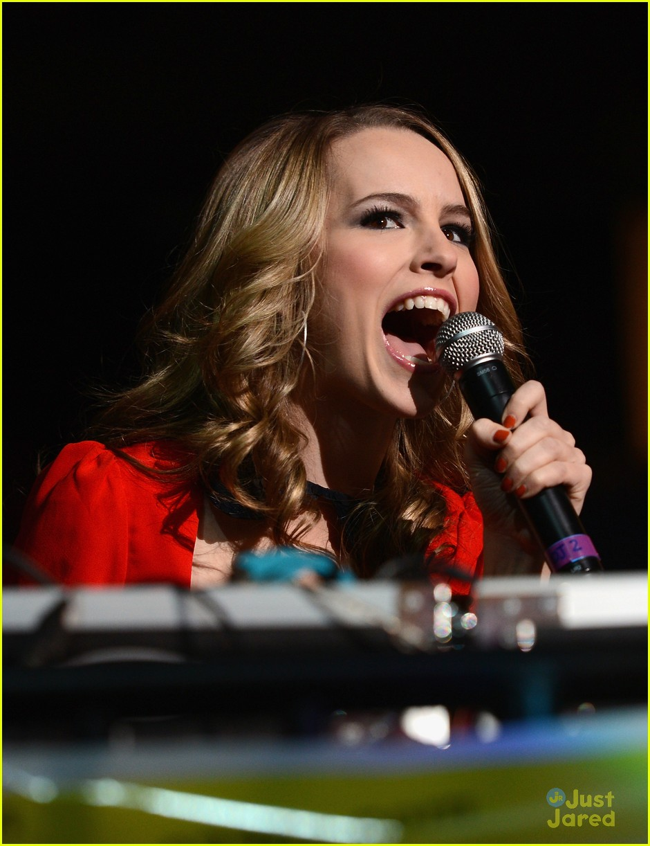 bridgit mendler tampa jingle ball 09