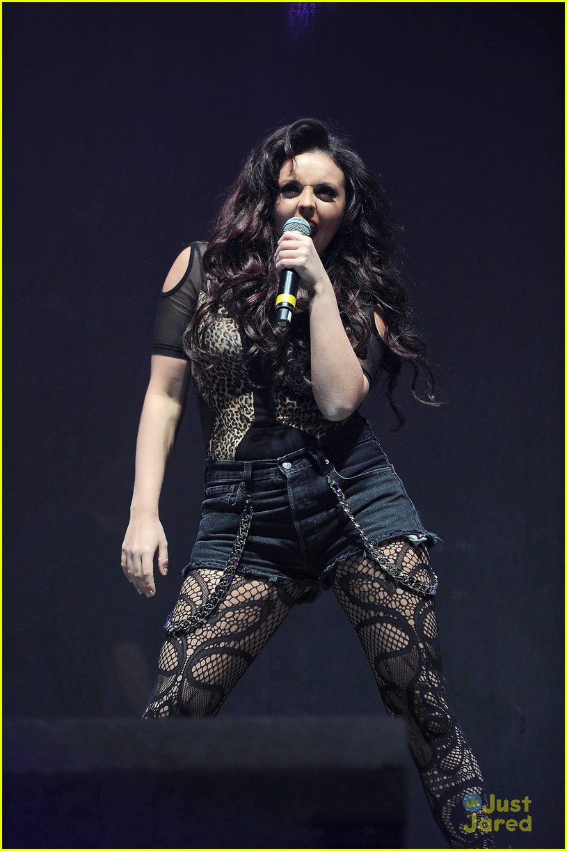 little mix jingle bell ball 01
