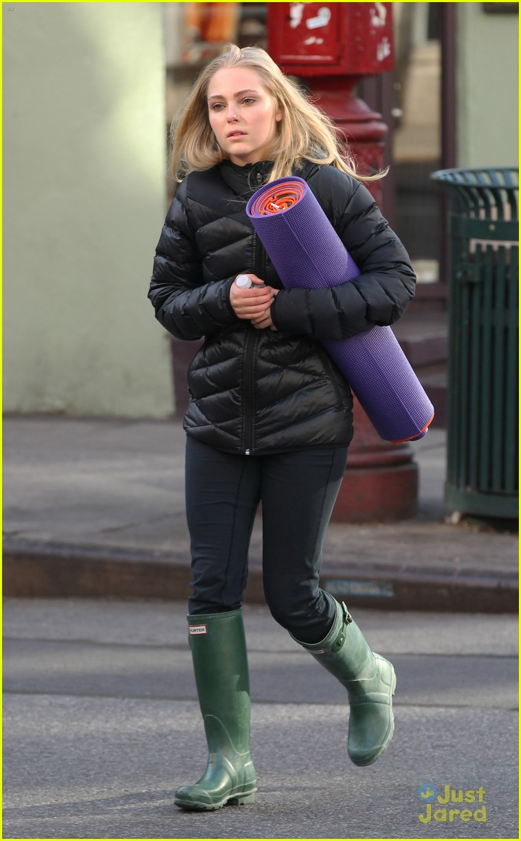 annasophia robb belated bday 04