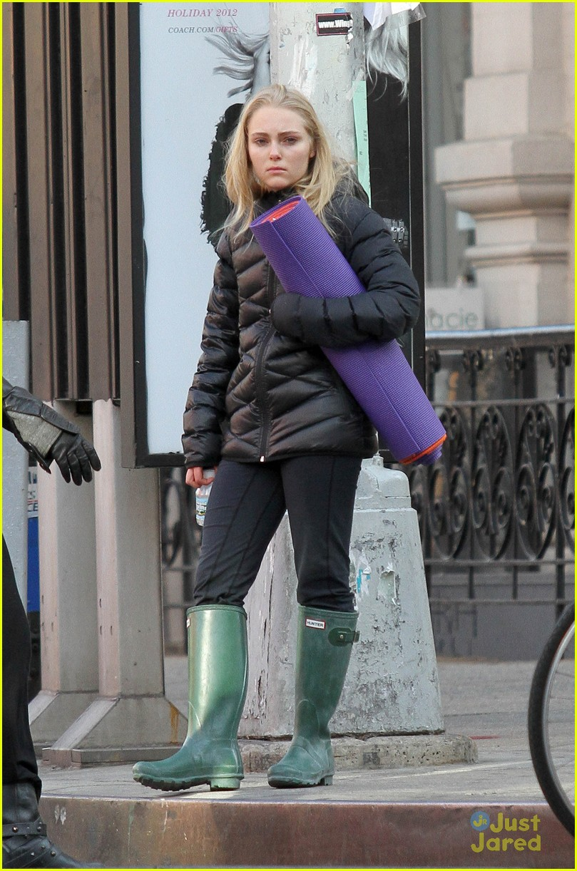 annasophia robb belated bday 05