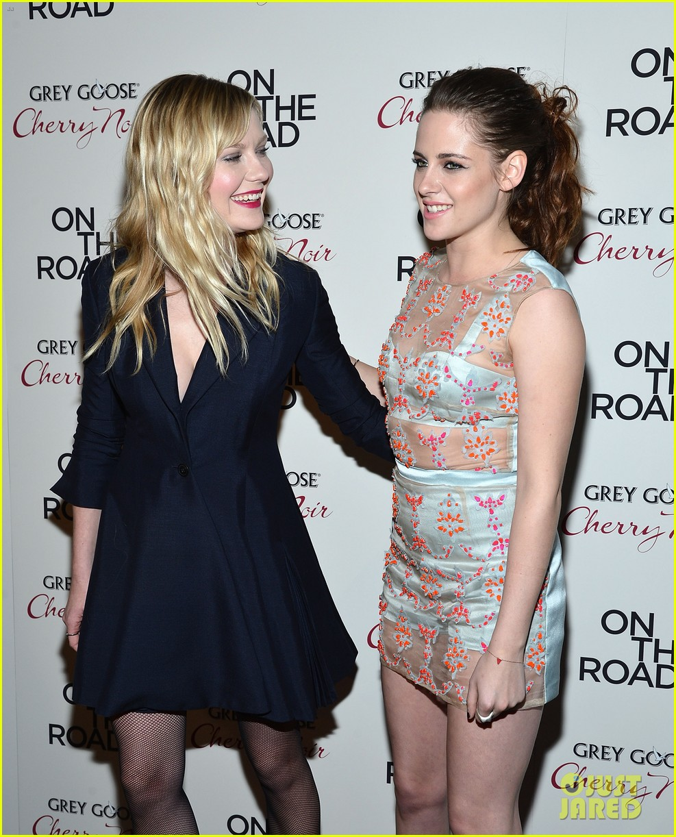 kristen stewart on the road premiere nyc 12