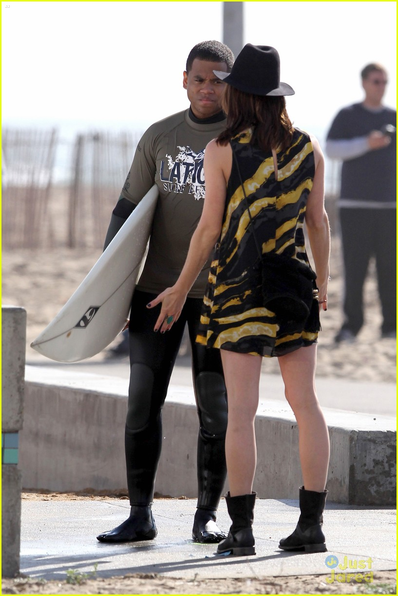 jessica stroup tristan wilds 90210 beach 12