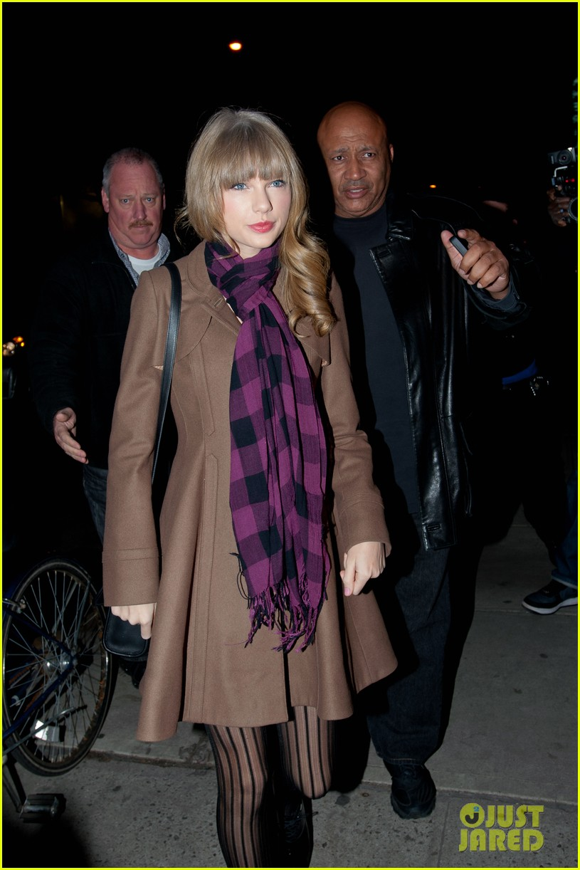 taylor swift back in nyc 06