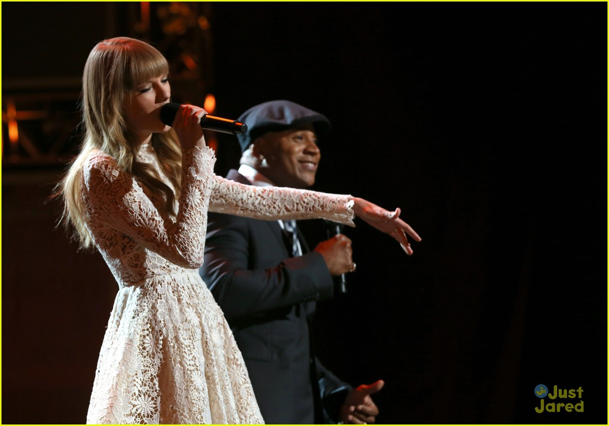 taylor swift grammy noms concert 13