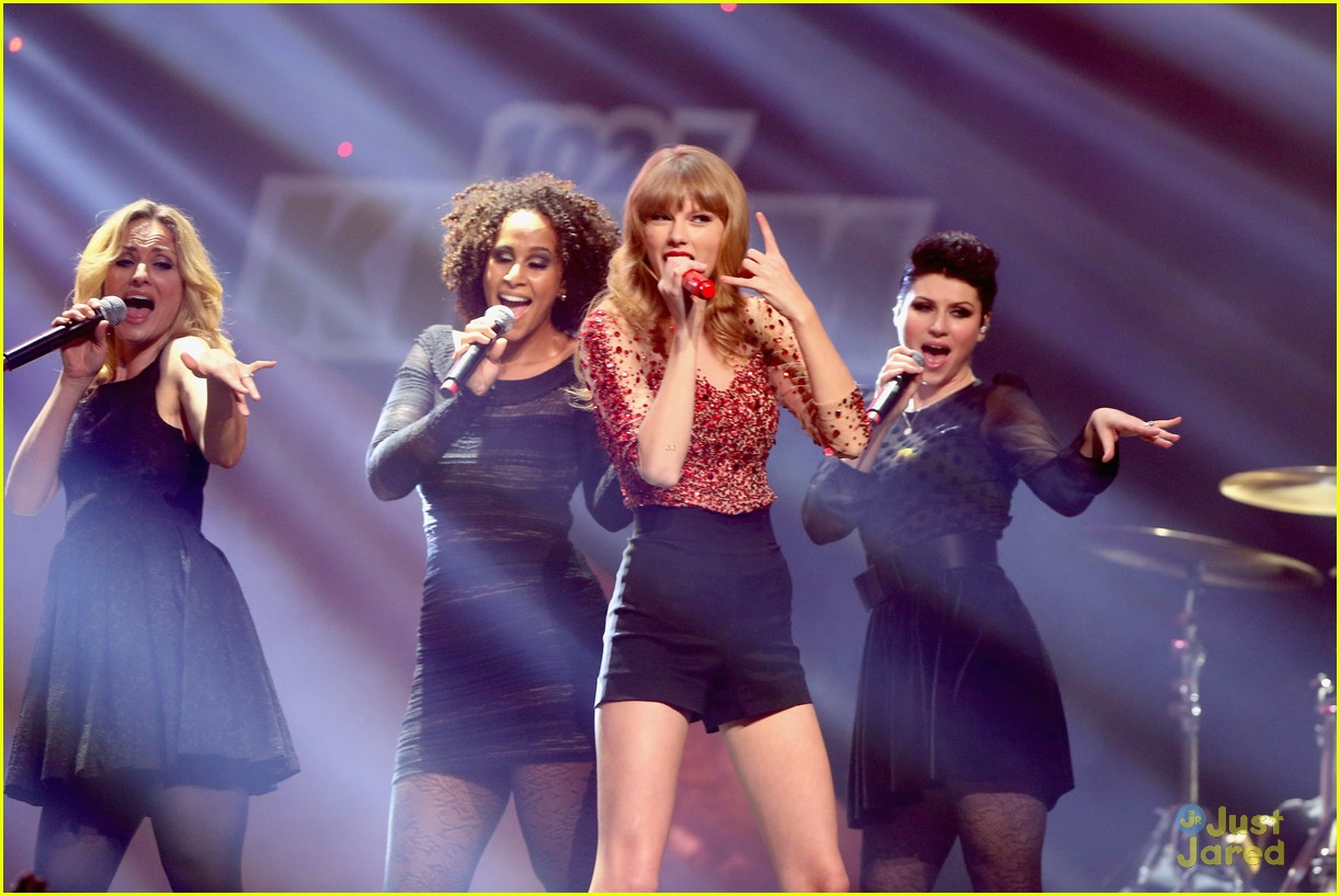 taylor swift jingle ball 20