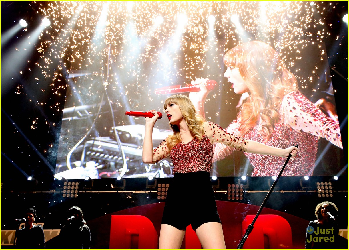 taylor swift jingle ball 33