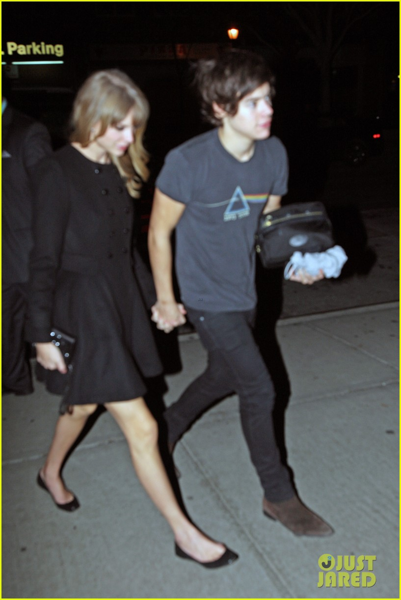 harry styles taylor swift holding hands 07