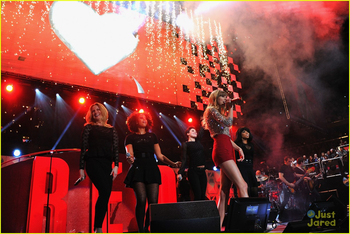 taylor swift z100 jingle ball 05