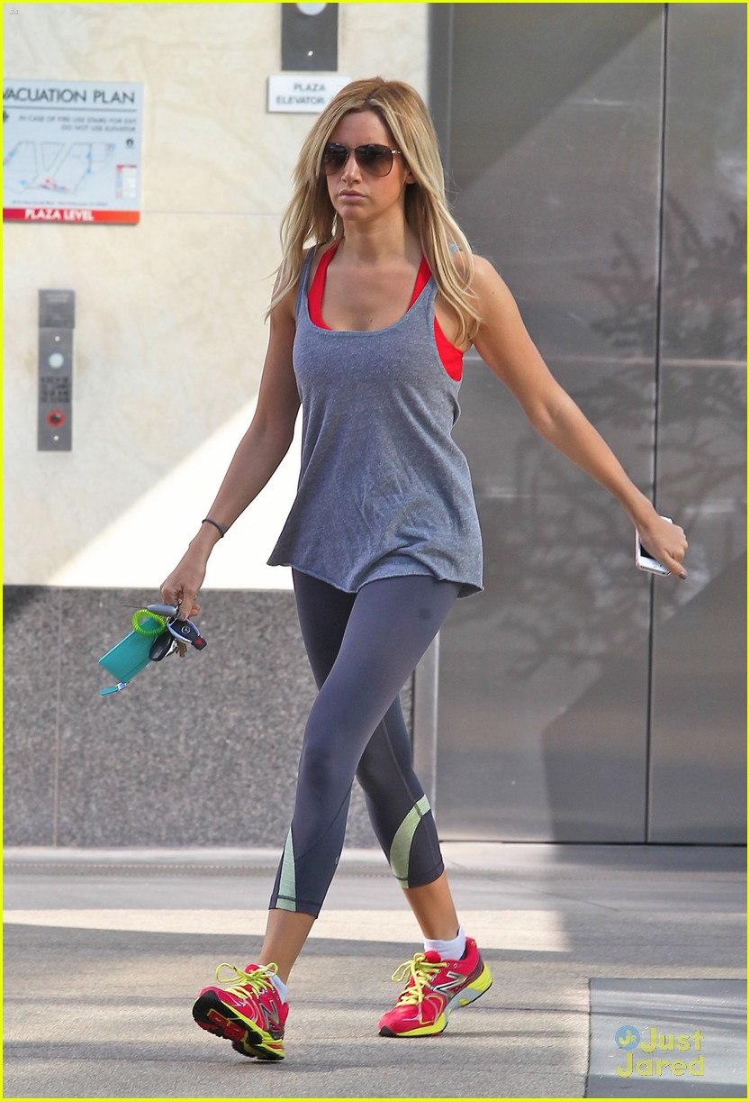 ashley tisdale equinox stop 01