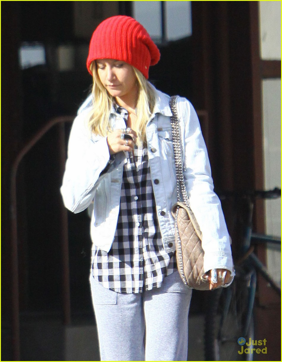 ashley tisdale planet blue kings road 04