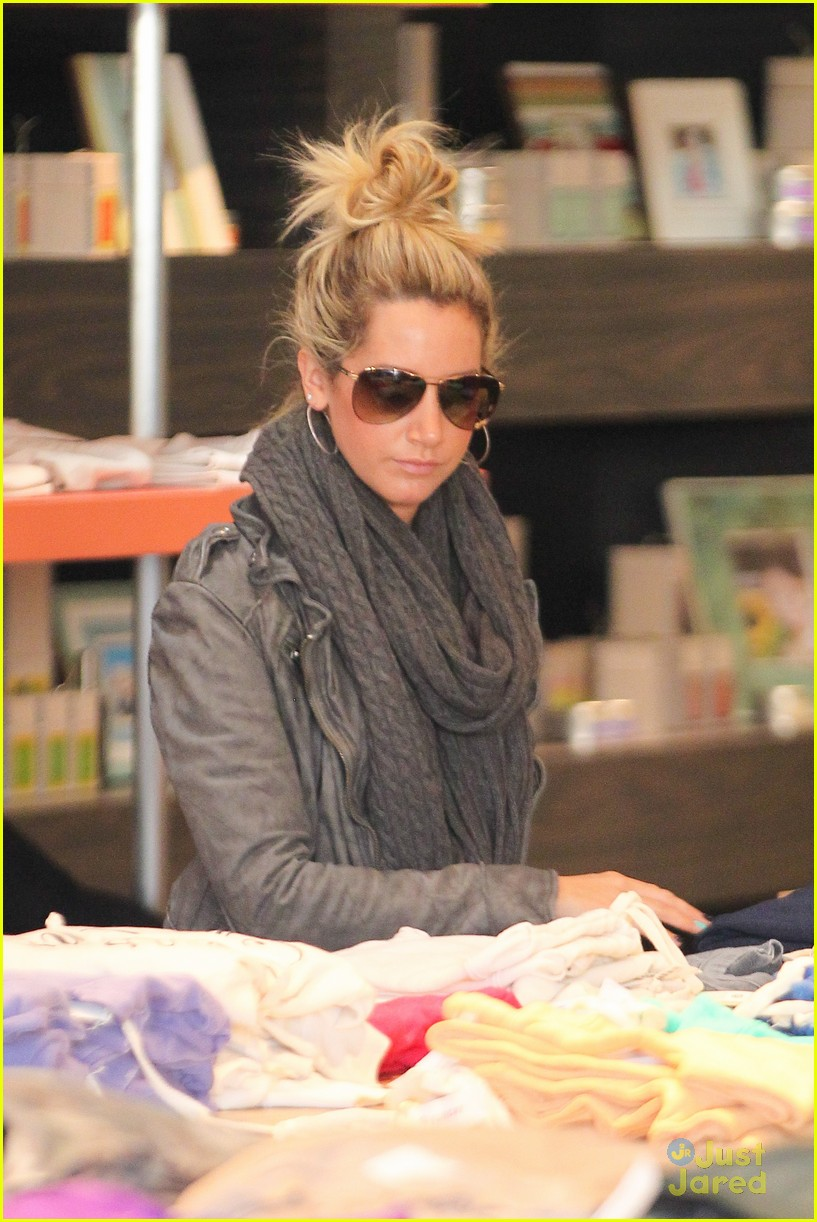 ashley tisdale planet blue kings road 18