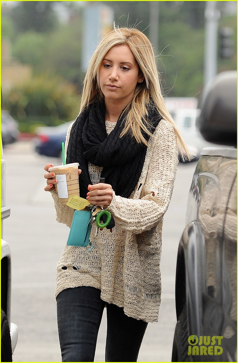 ashley tisdale starbucks studio city 03