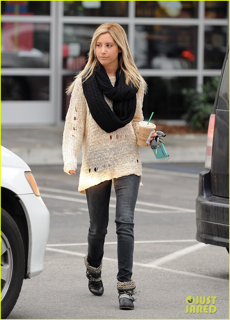 ashley tisdale starbucks studio city 07