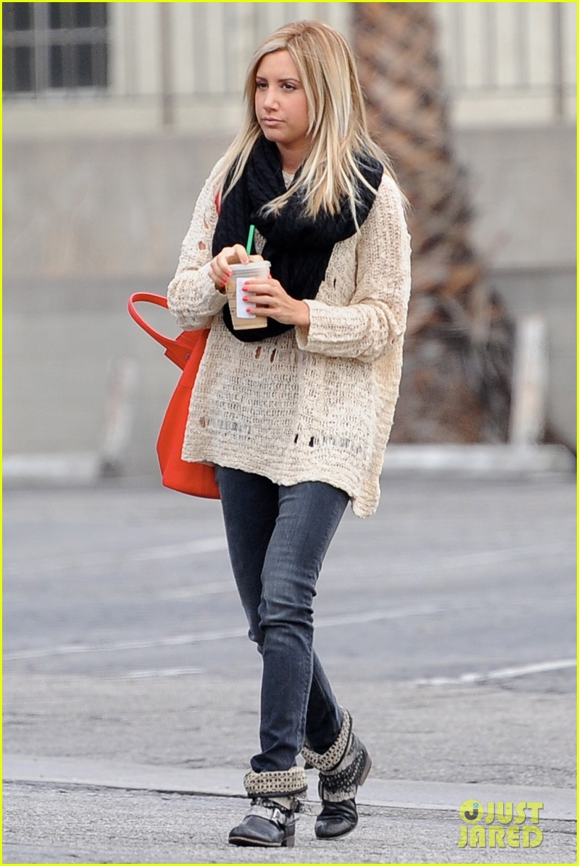 ashley tisdale starbucks studio city 18