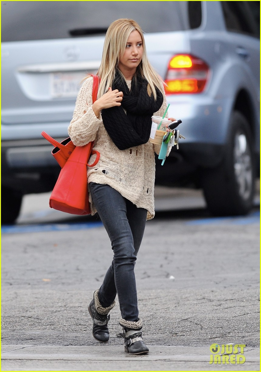 ashley tisdale starbucks studio city 23