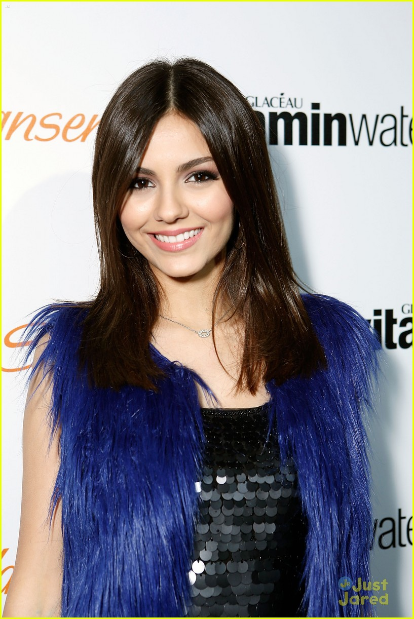 victoria justice hailee steinfeld party 01