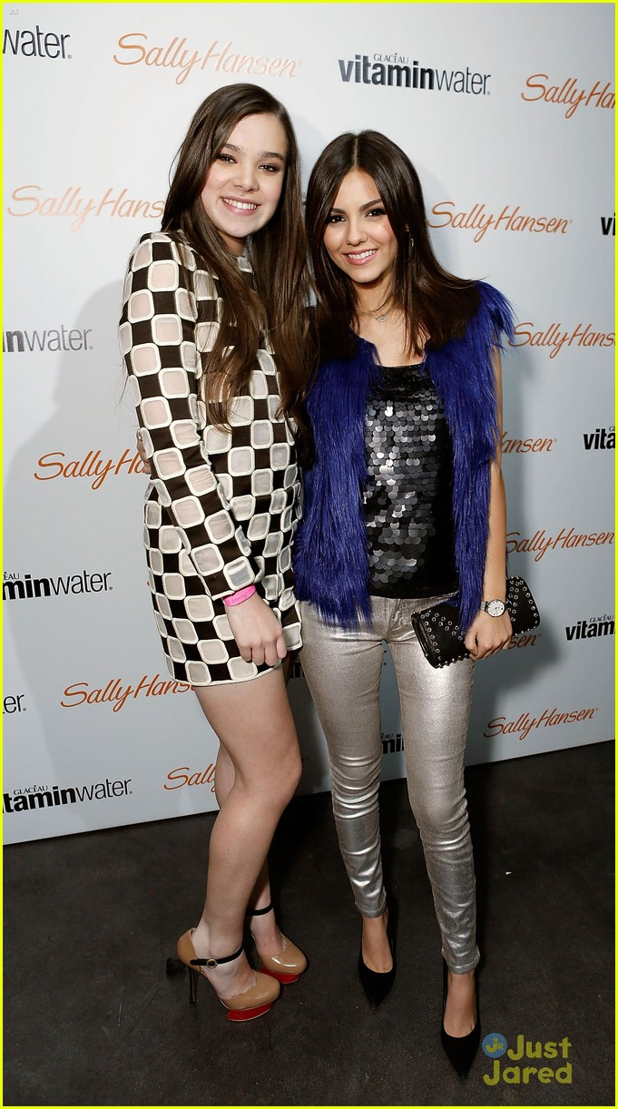 victoria justice hailee steinfeld party 03