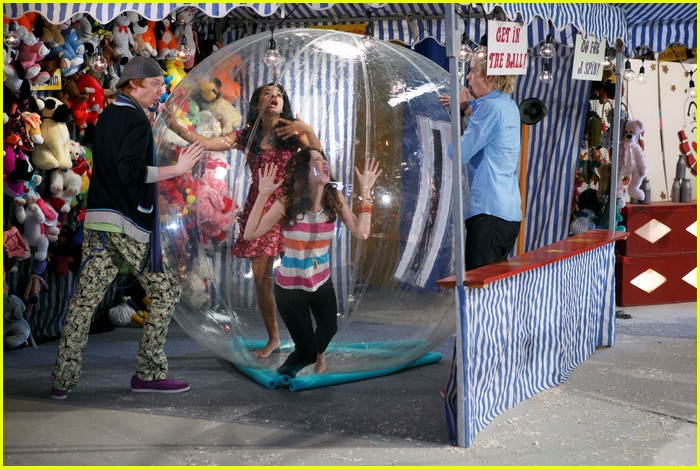 austin ally bad breath 02