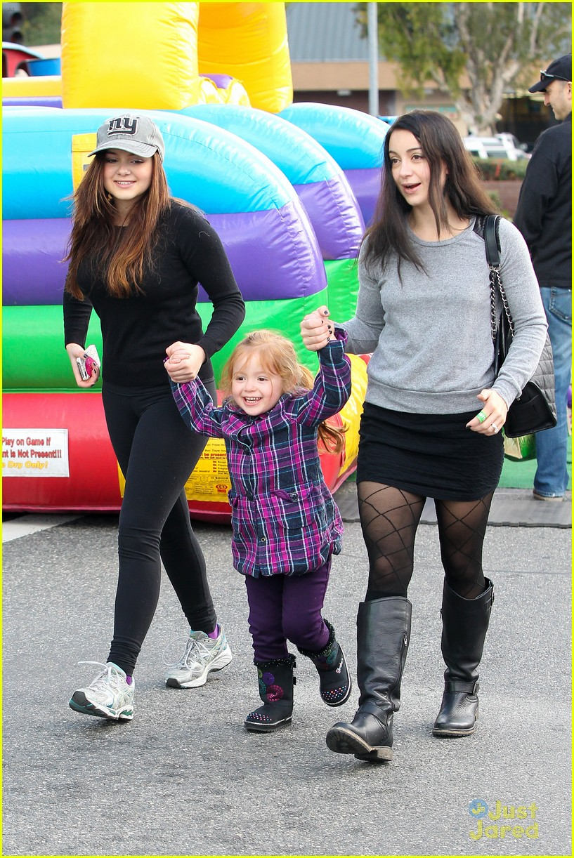 ariel winter slide skylar 04