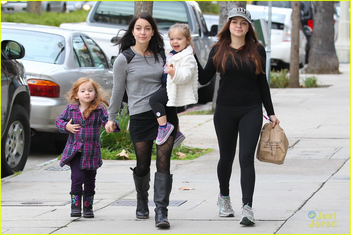 ariel winter slide skylar 11