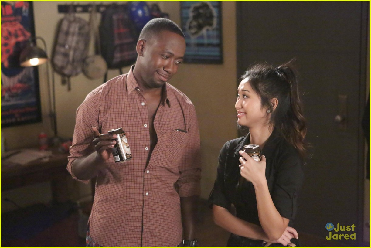 brenda song new girl first look 05