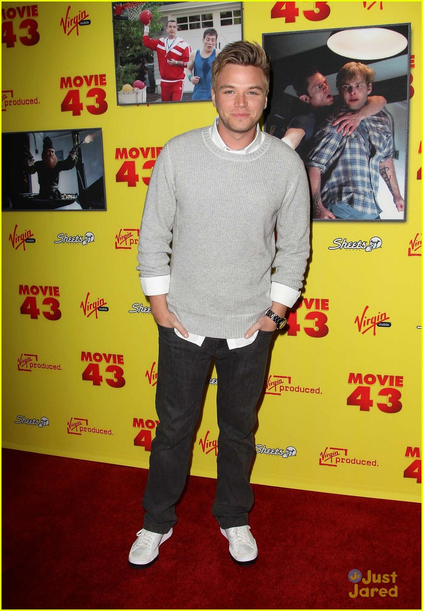 brett davern movie 43 premiere 05