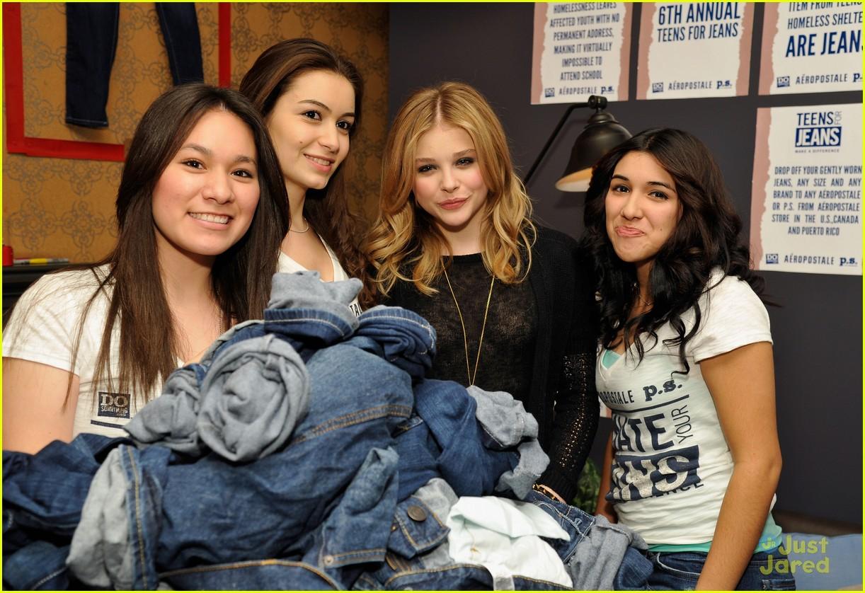 chloe moretz ryan beatty teens jeans 05