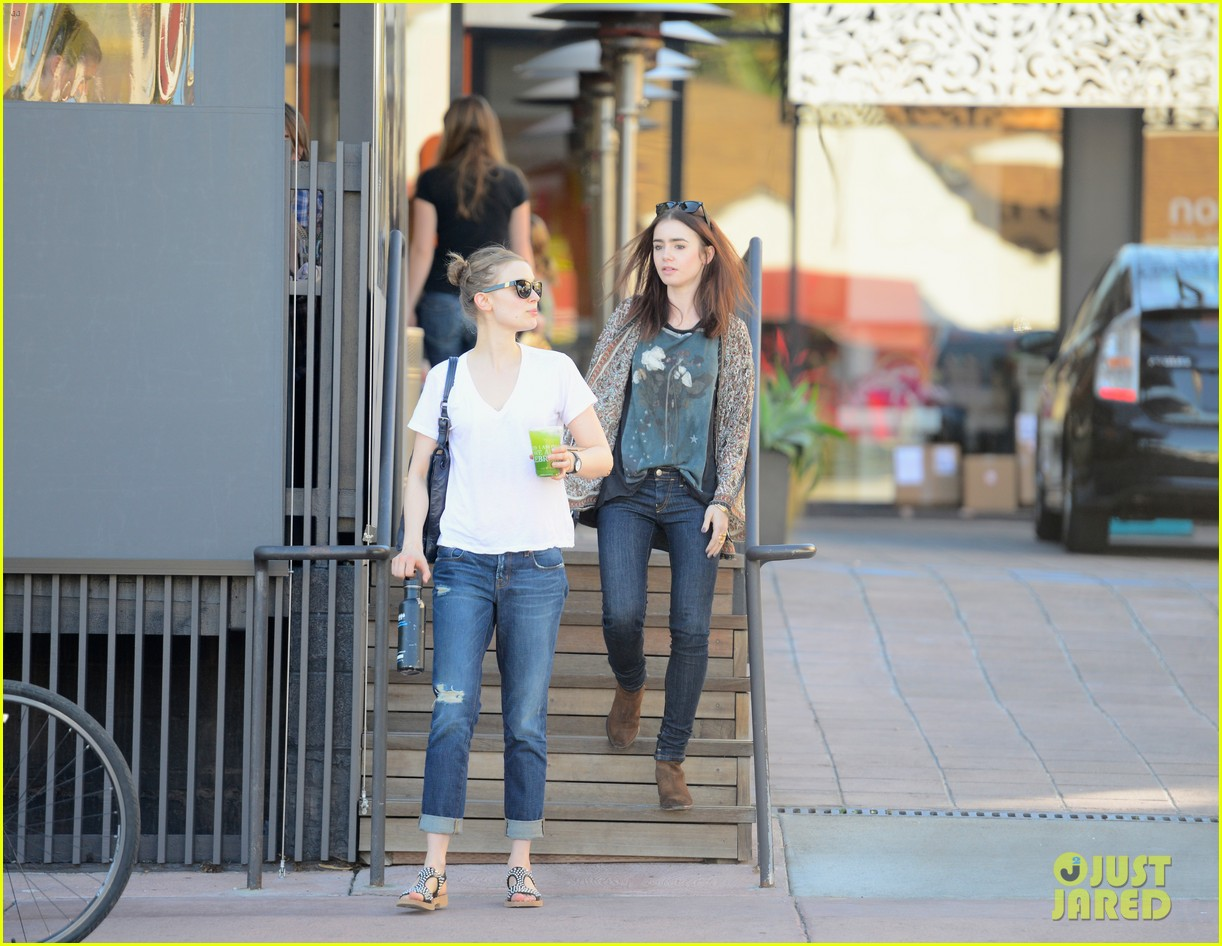 lily collins vegan lunch lady 02