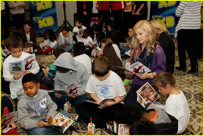 drake bell read with marvel 02