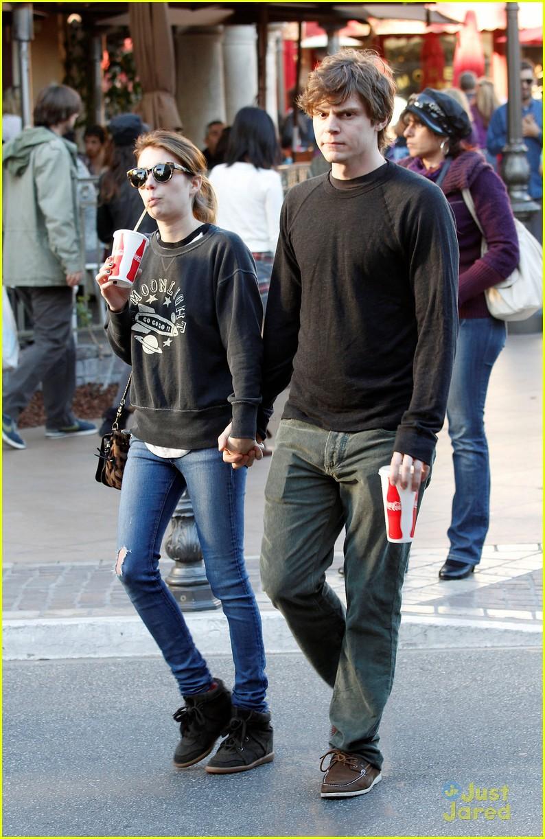 Emma Roberts Evan Peters Coca Cola Couple Photo 526935 Emma Roberts Evan Peters Pictures Just Jared Jr