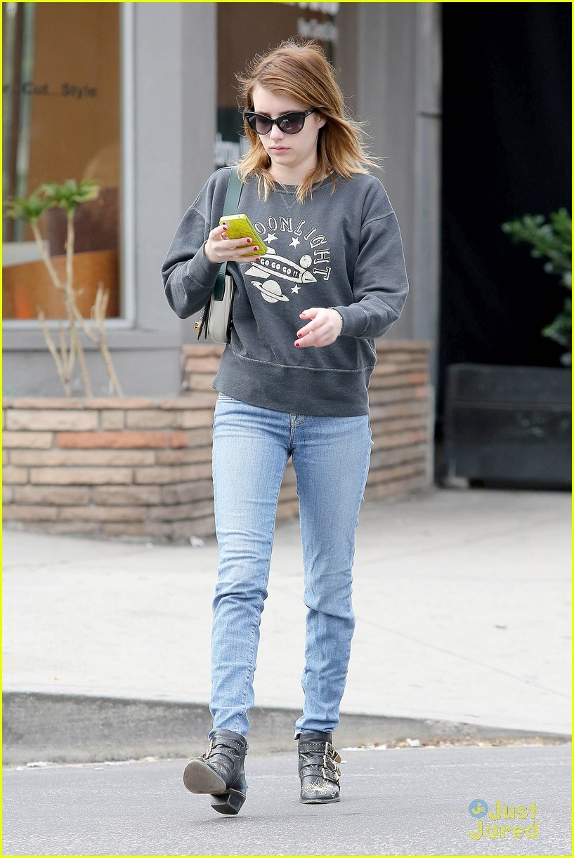 emma roberts moonlight sweater 11