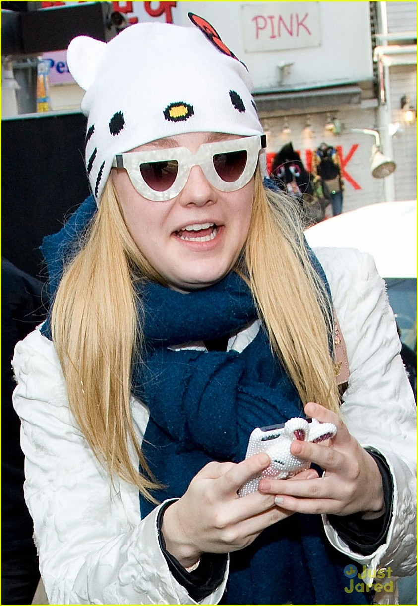 dakota elle fanning south korea 01