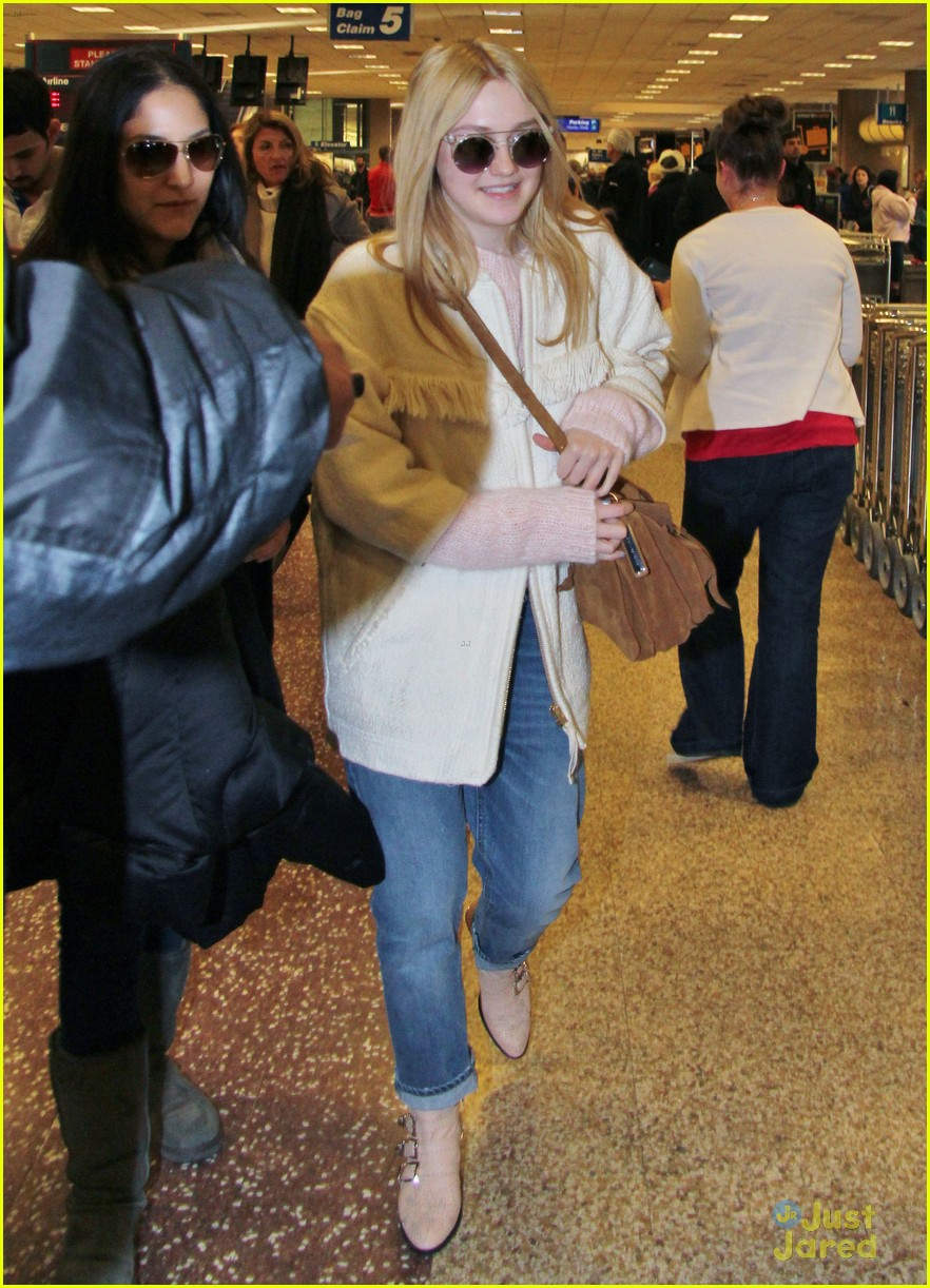dakota fanning slc takeoff 08