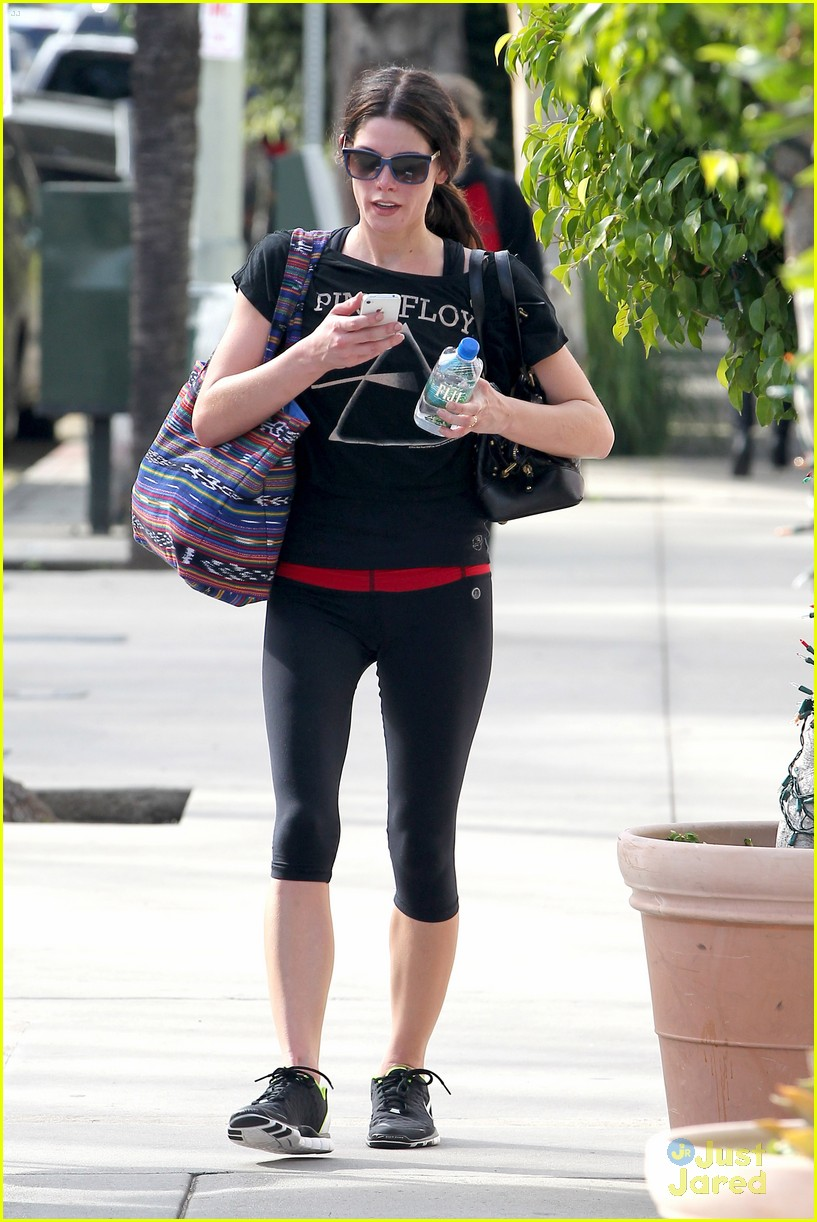 ashley greene mtg gym 03