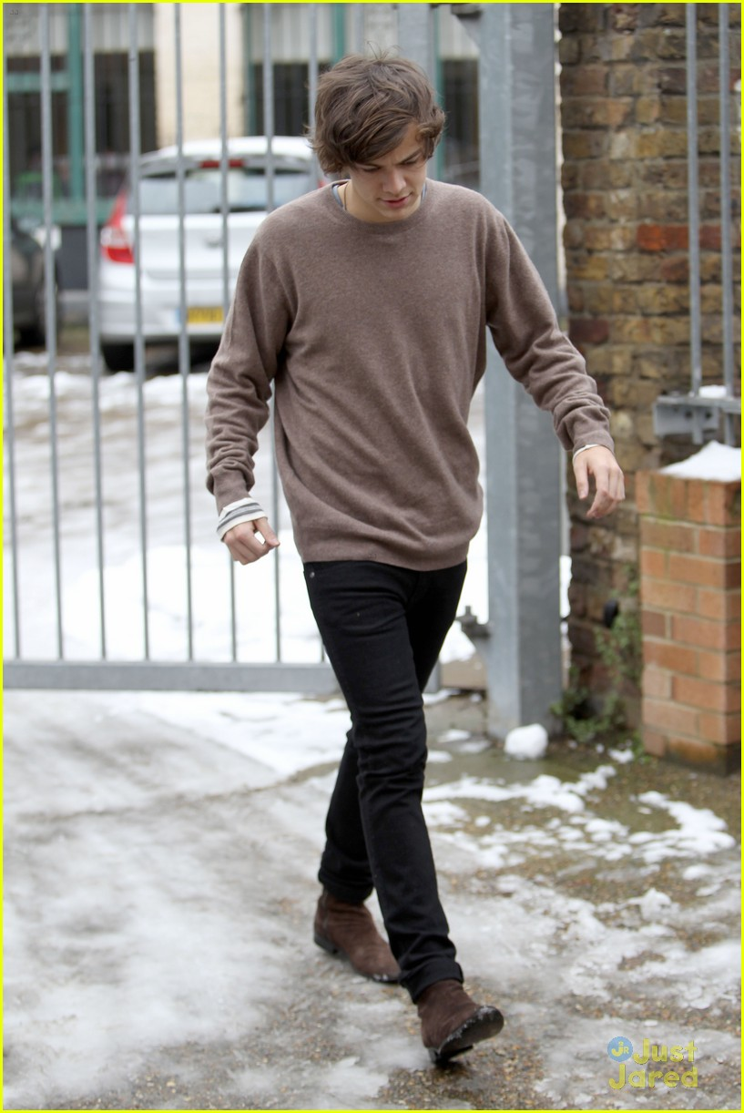 harry styles studio stop london 03