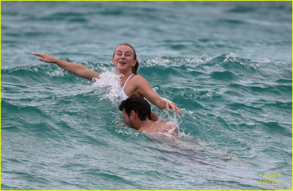 julianne hough splish splash stbarths 13