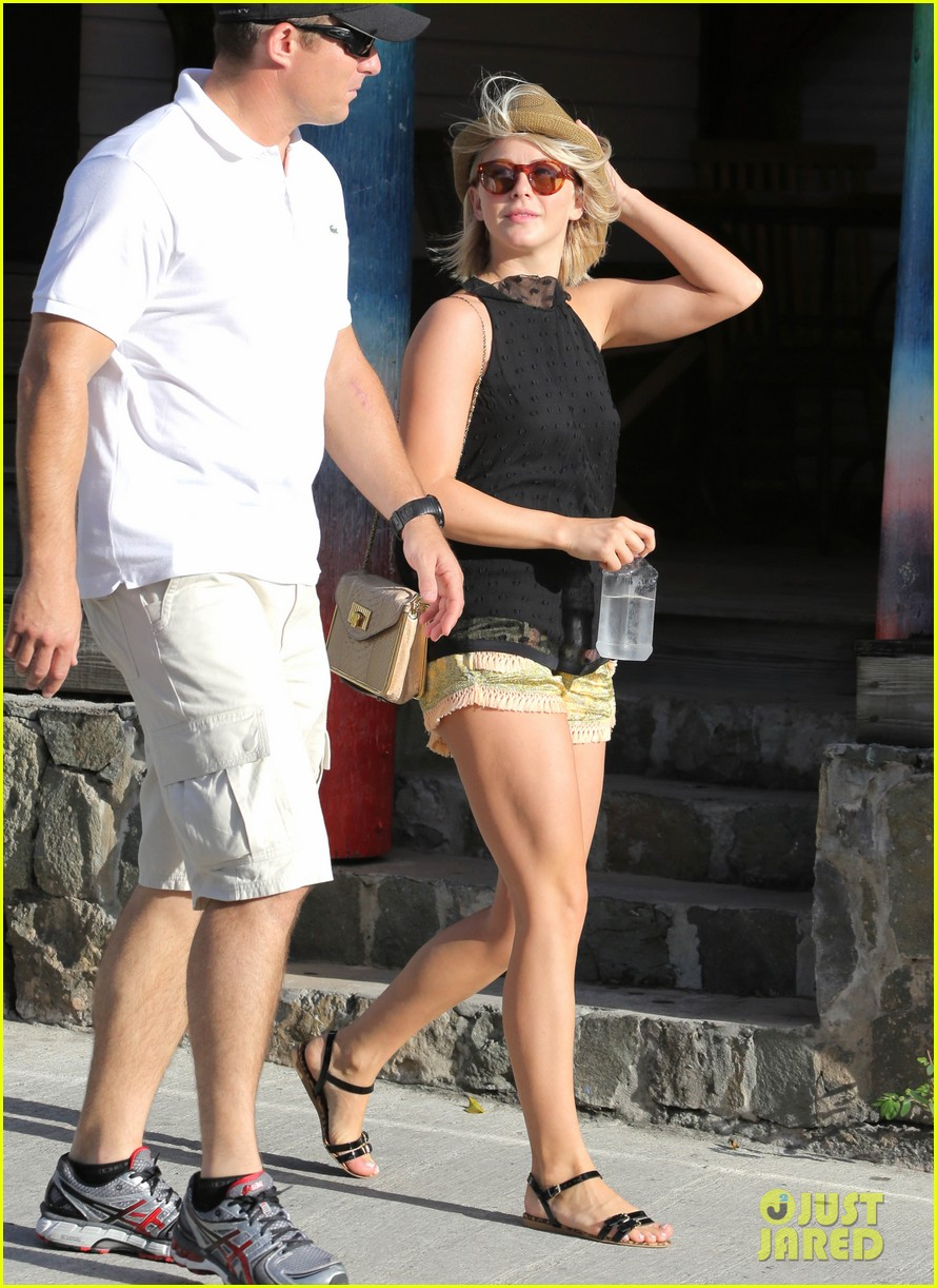 julianne hough st barts shopper 04