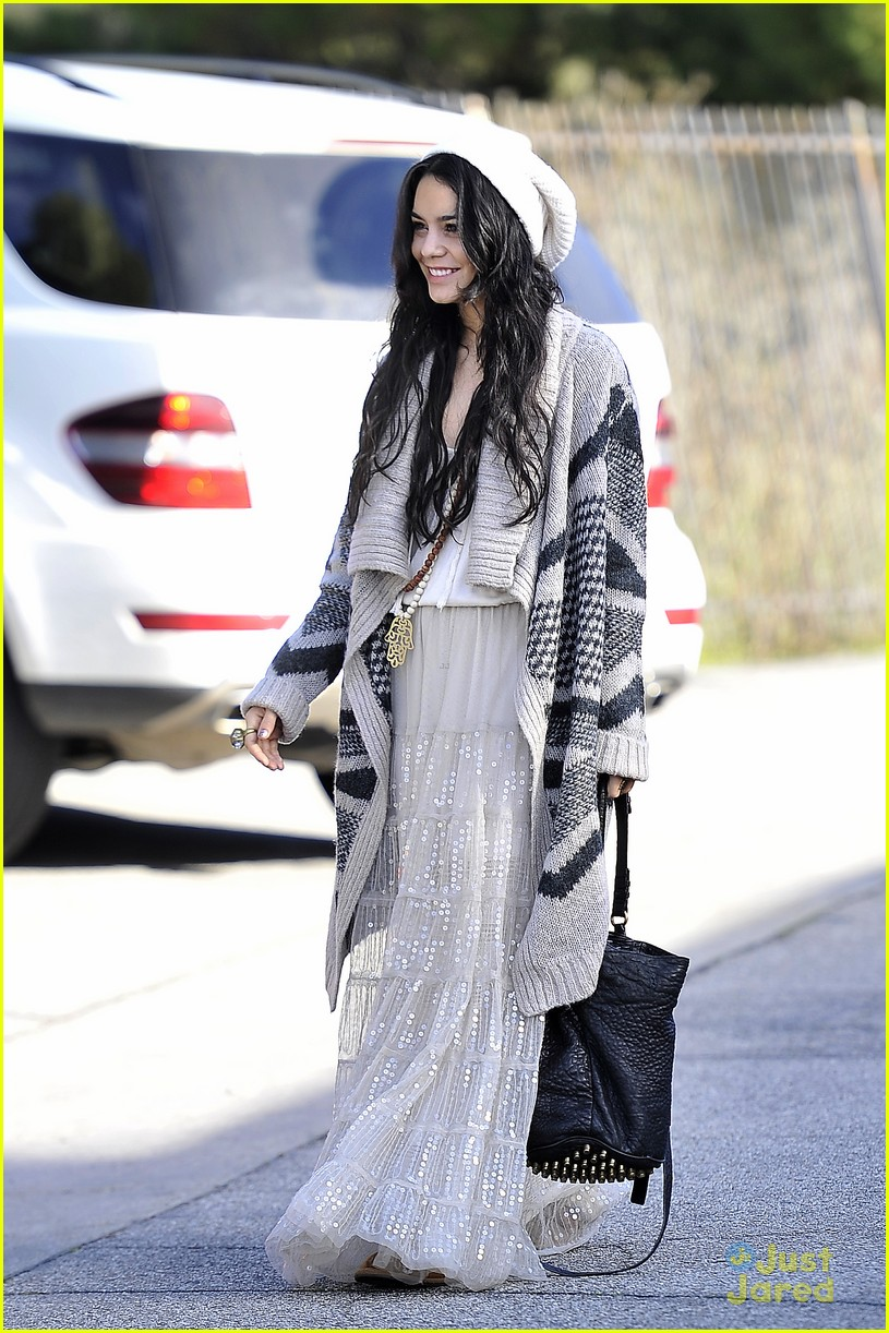 vanessa hudgens lets have an amazing 2013 04