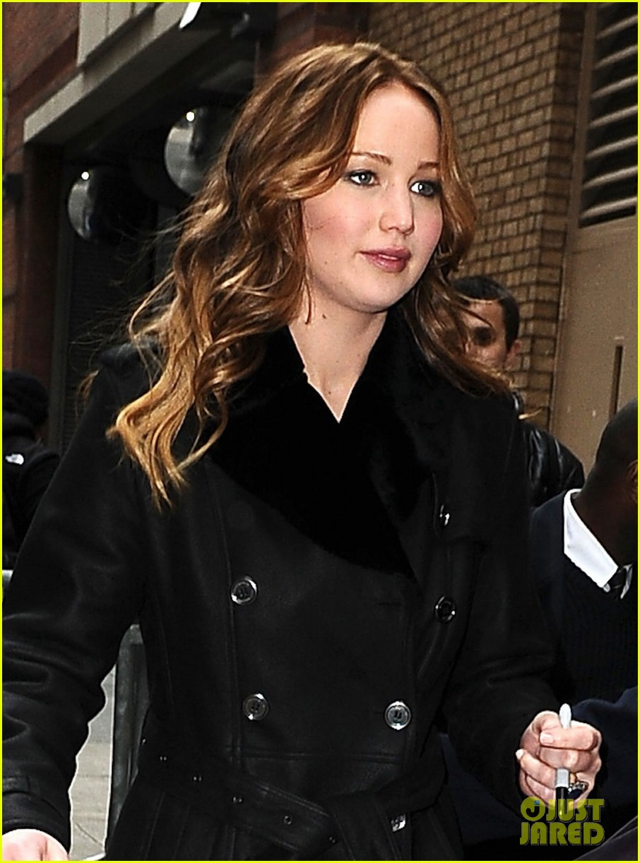jennifer lawrence live with kelly taping 03