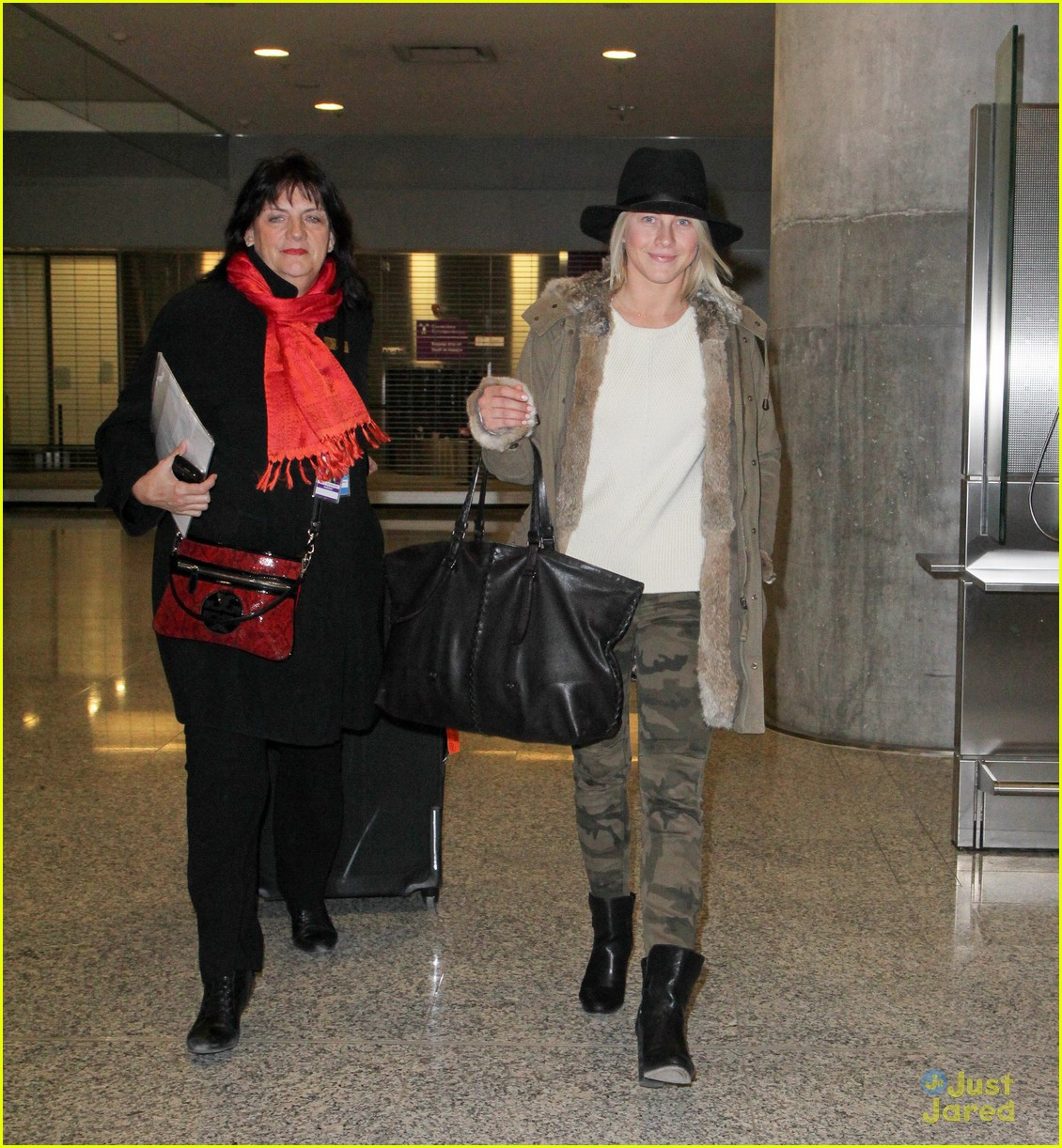 julianne hough toronto safe haven 03