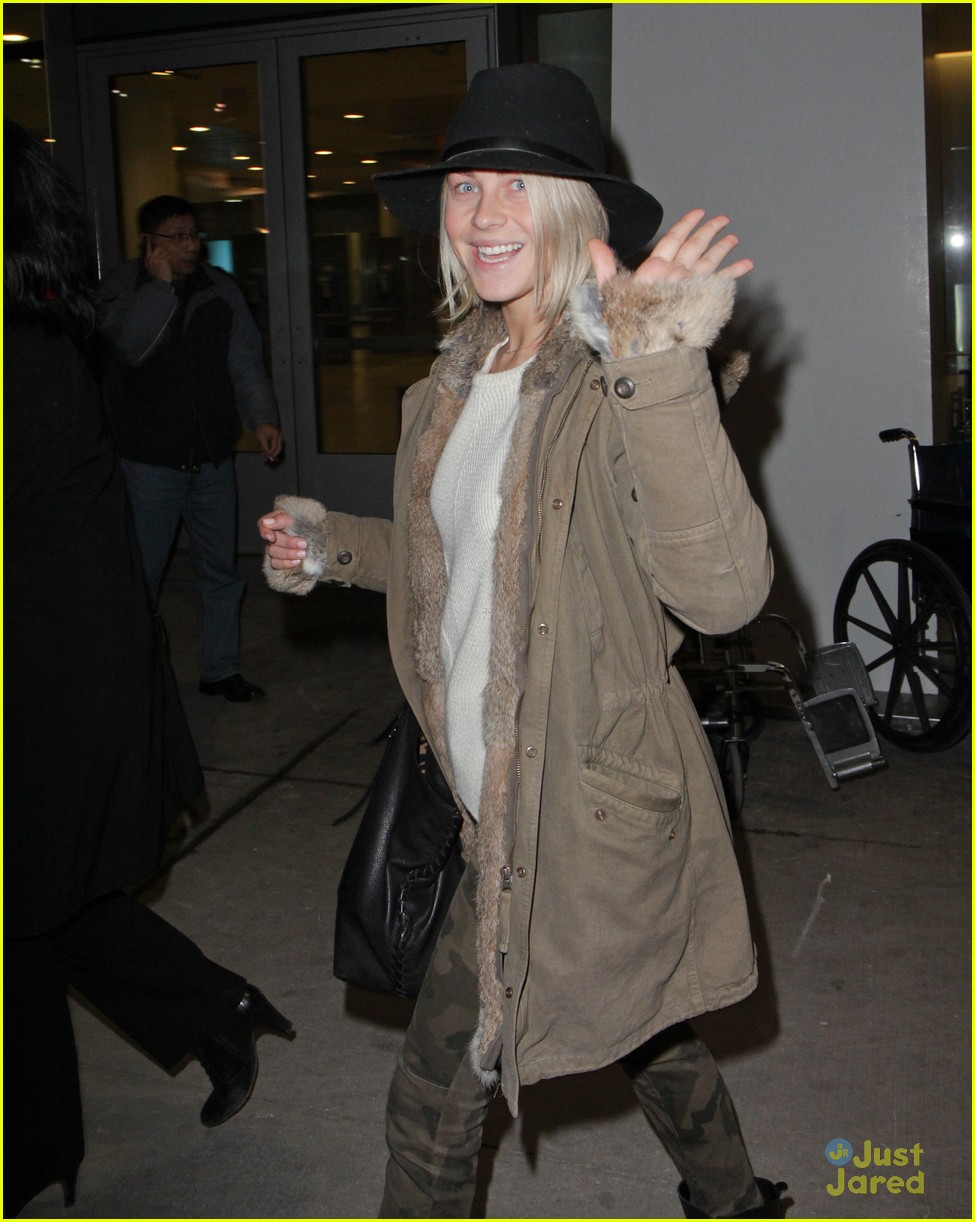 julianne hough toronto safe haven 05