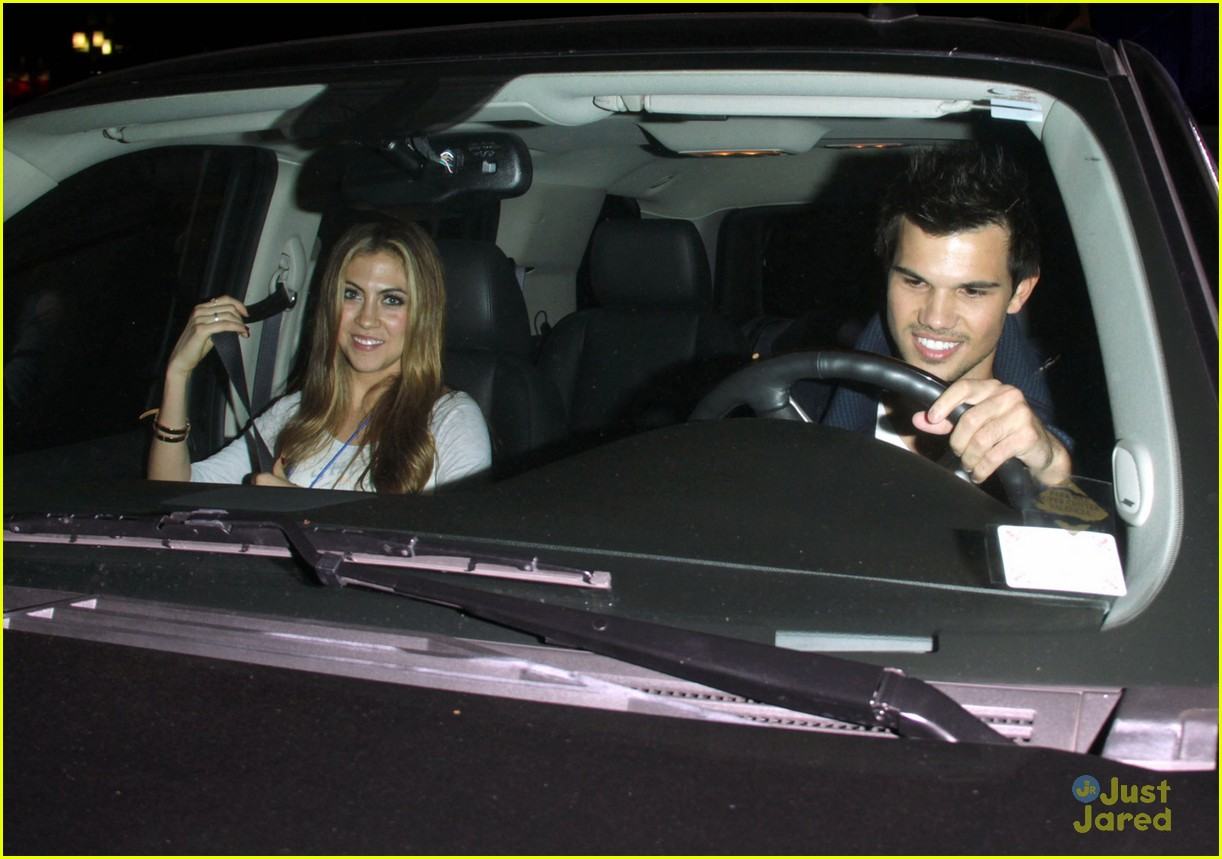 taylor lautner clippers game 02