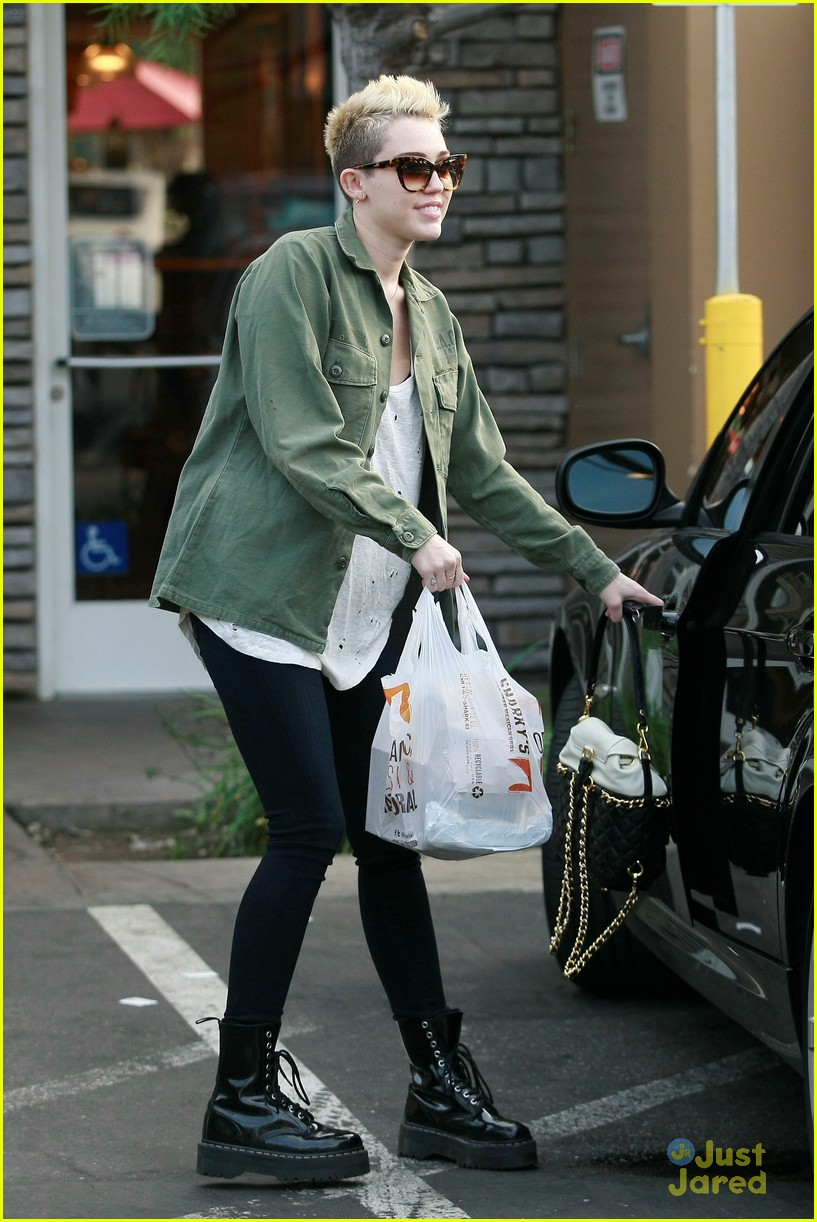 miley cyrus sharkys take out 02