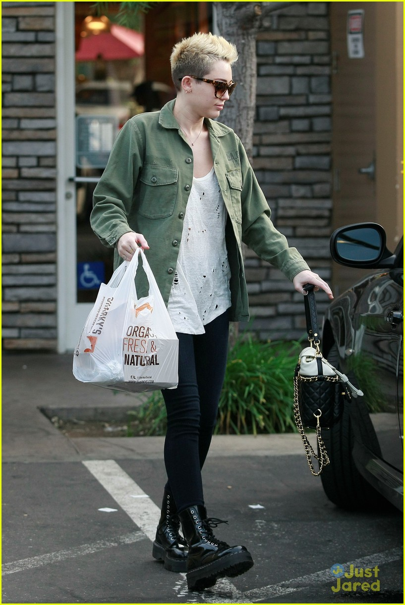 miley cyrus sharkys take out 05