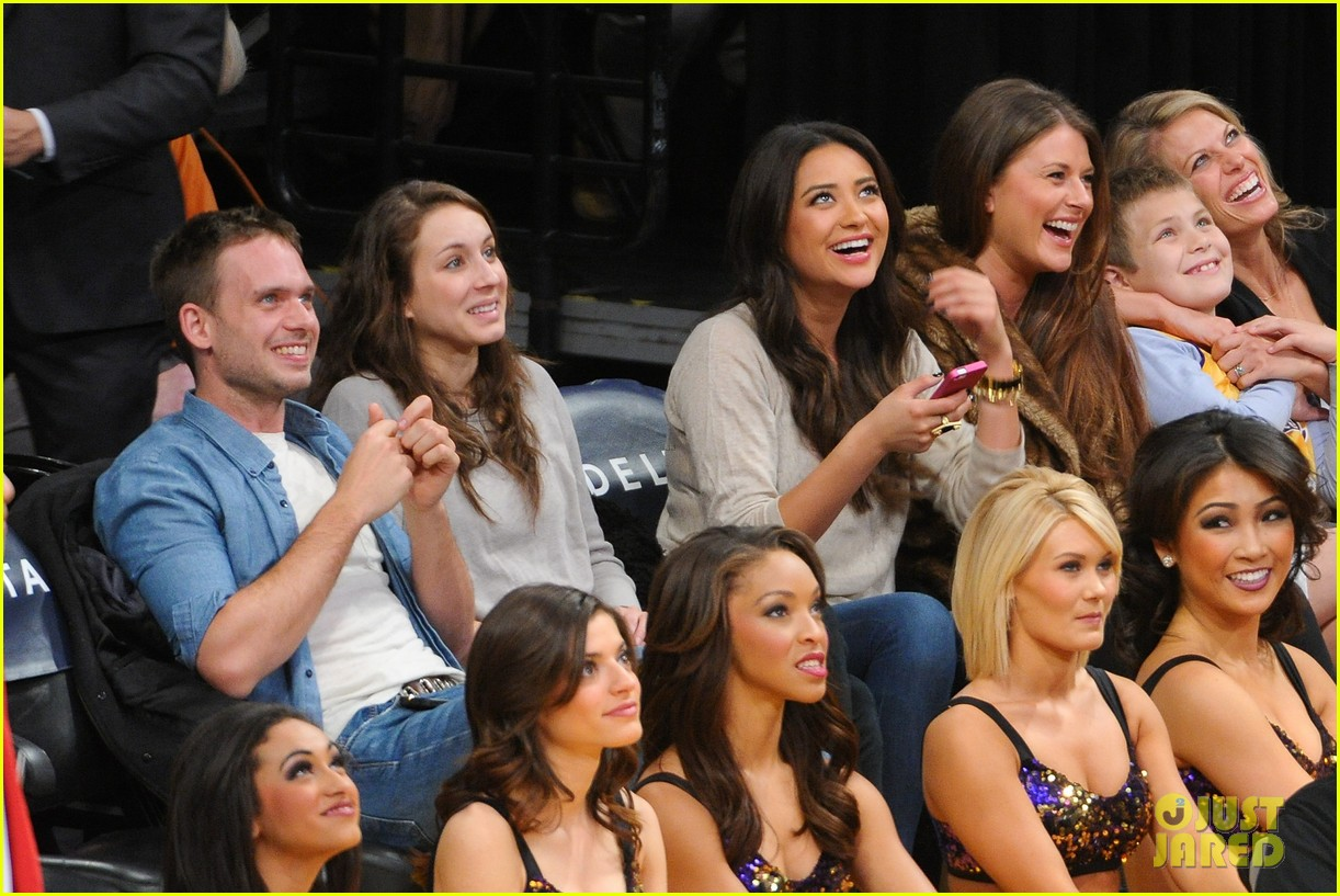 shay mitchell troian bellisario lakers game girls 03
