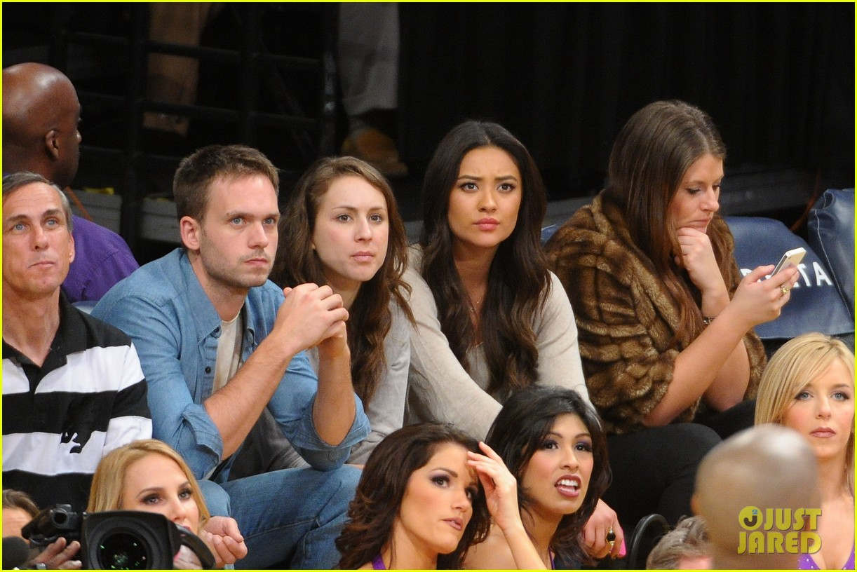 shay mitchell troian bellisario lakers game girls 08