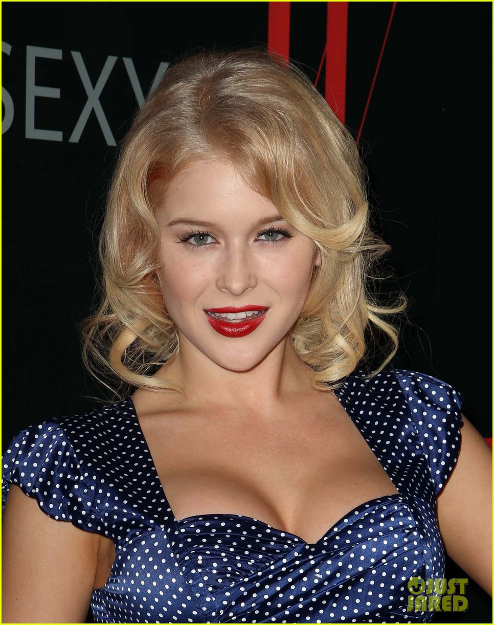 renee olstead christian serratos 30 years of fashion and film red carpet 07