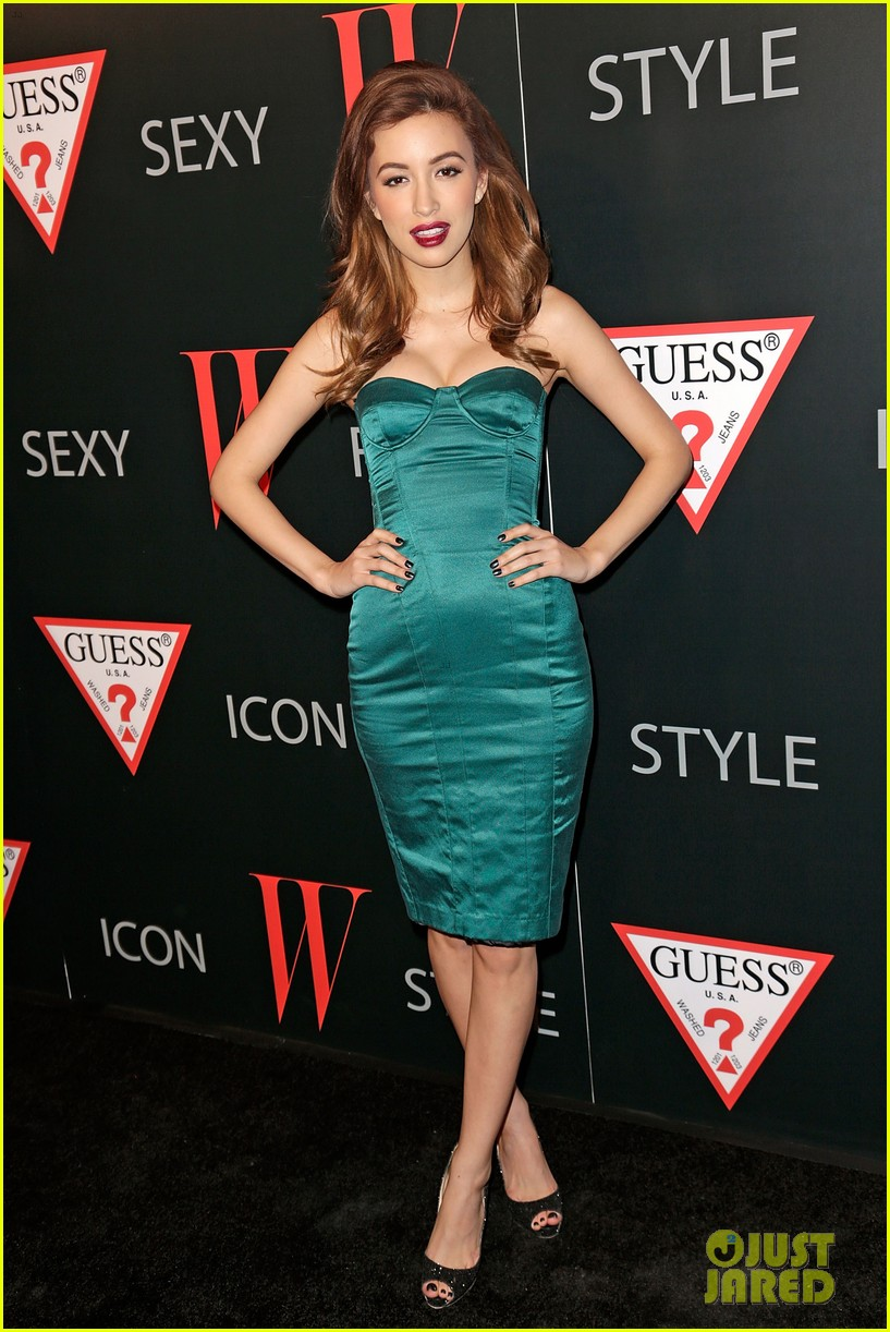 renee olstead christian serratos 30 years of fashion and film red carpet 24